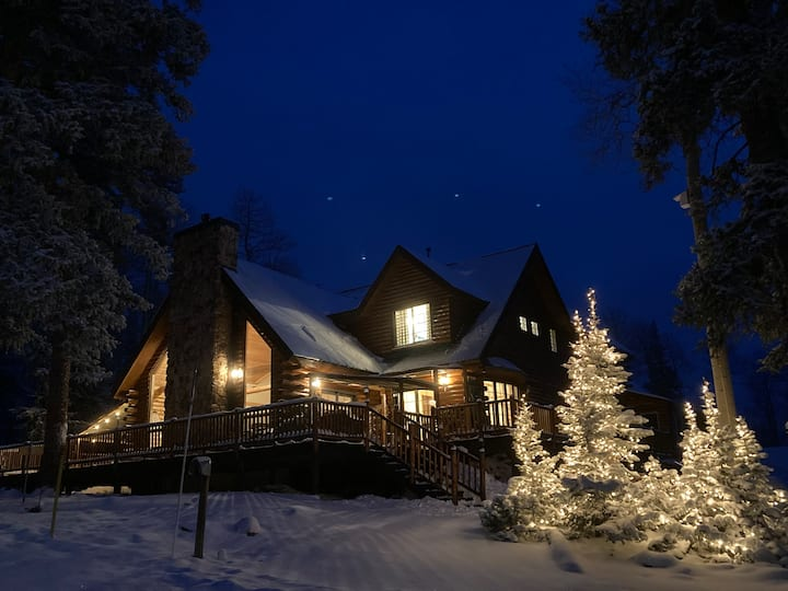 Three Creeks Lodge-Sleep20+Eagle Point Ski To/From