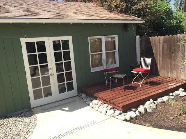 Guest House Studio with Private Patio & Driveway