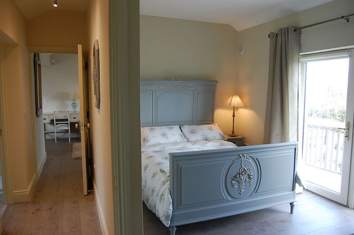 Luxury 2 Bed apartment, Roundwood, County Wicklow - Roundwood - Huis