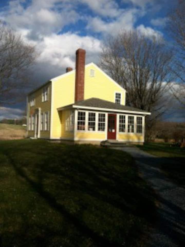 Weybridge, Vermont -Beautiful, renovated farmhouse