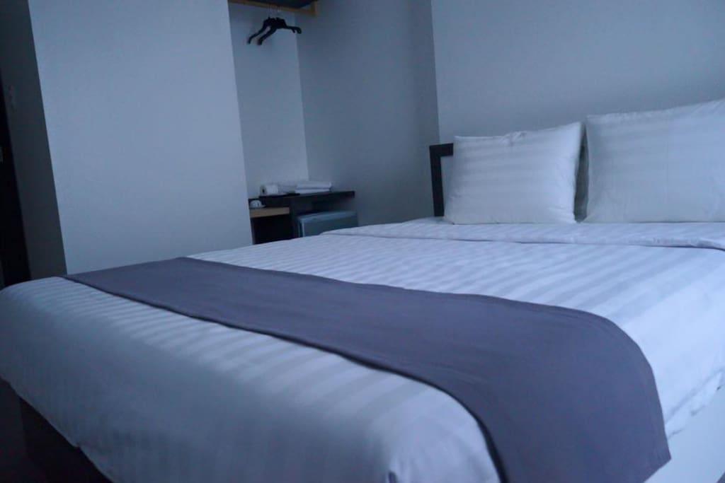 superior room $18/night $400/month