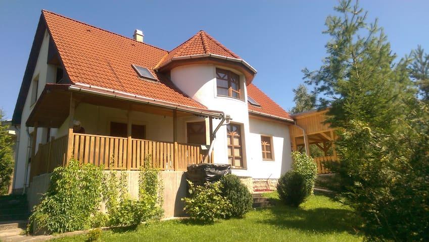Aranyalmás/Felhősimogató Telkibánya, Hungary