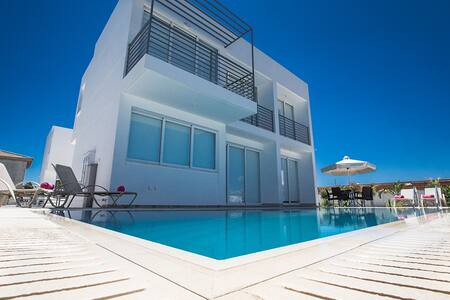 Villa Dana,Luxurious 3BDR Villa - Protaras - Villa