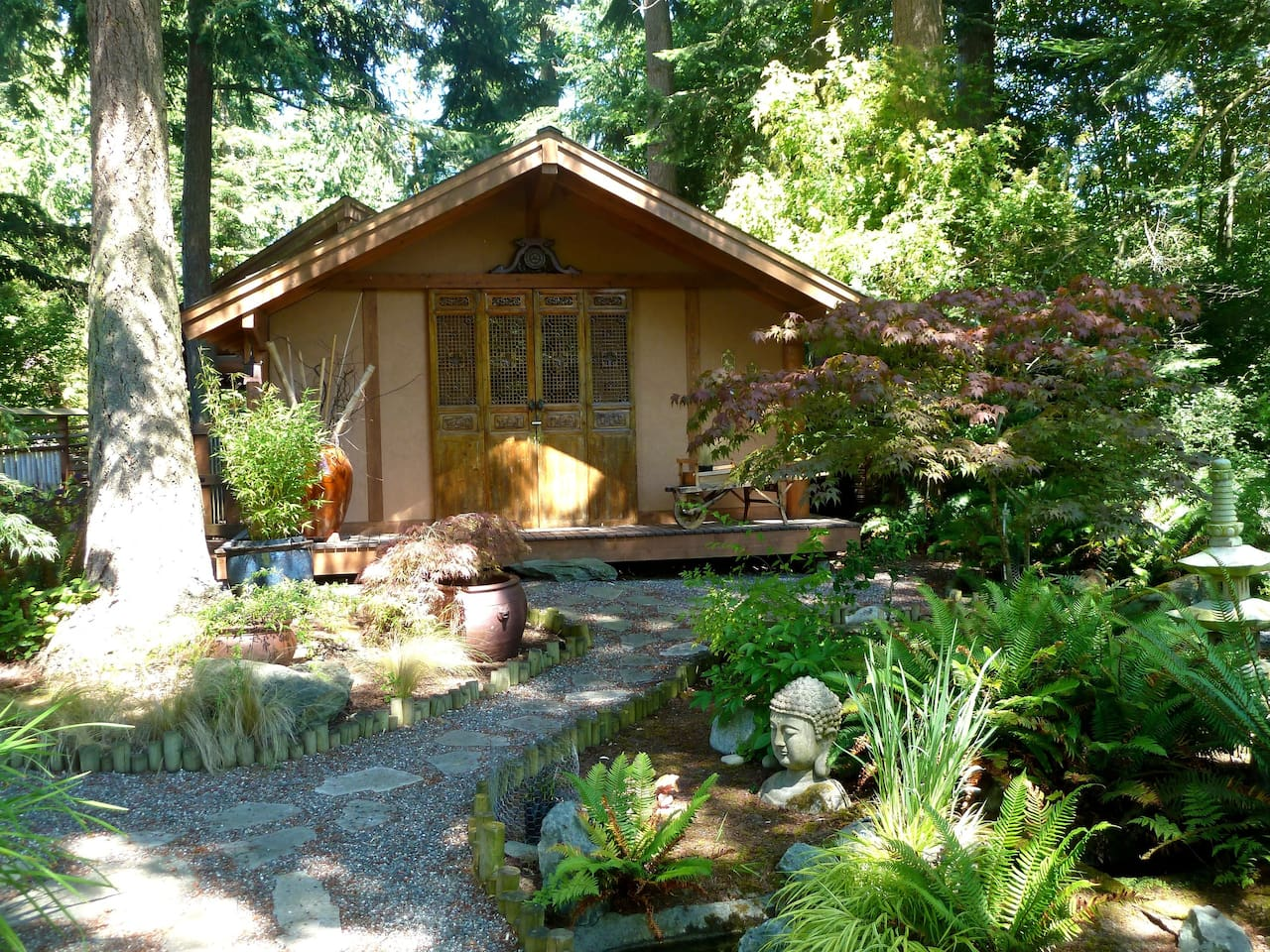 Whispering Bamboo B&B - Guesthouses for Rent in Coupeville ...
