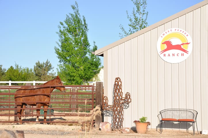 Sweet Pepper Ranch, B&B Horse Motel - Nampa - Bed & Breakfast