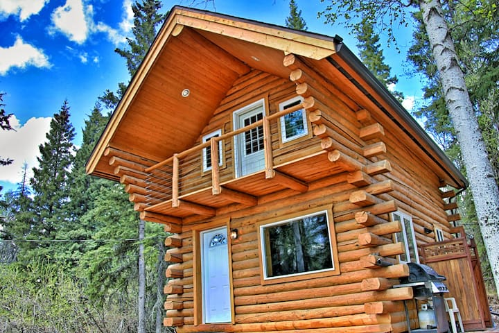 Cozy Alaskan Log Cabin - Fairbanks