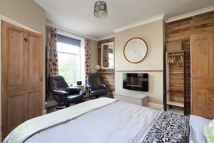 The Cabin-Hebden Bridge-Studio Flat - Hebden Bridge