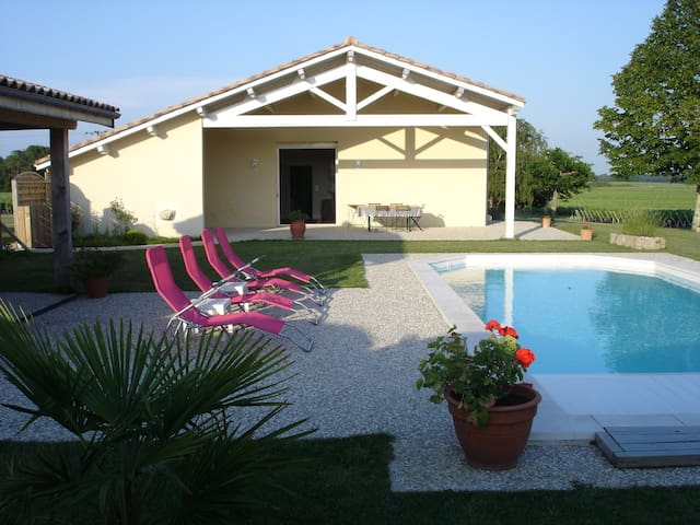 Cottage at the heart of vineyards - Listrac-Médoc - Huis