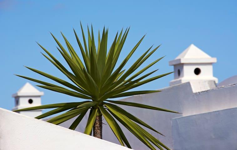 3 Bed 2 Bath Villa, Playa Blanca, pool - lots more