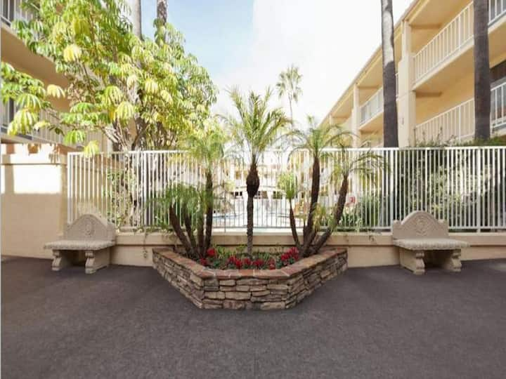 Stunning Double Two Double Beds At North San Diego