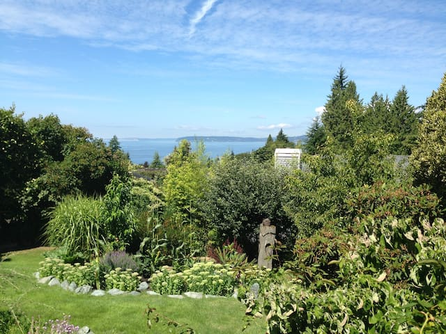 View: Puget Sound & Olympic Mountains - Edmonds - Hus