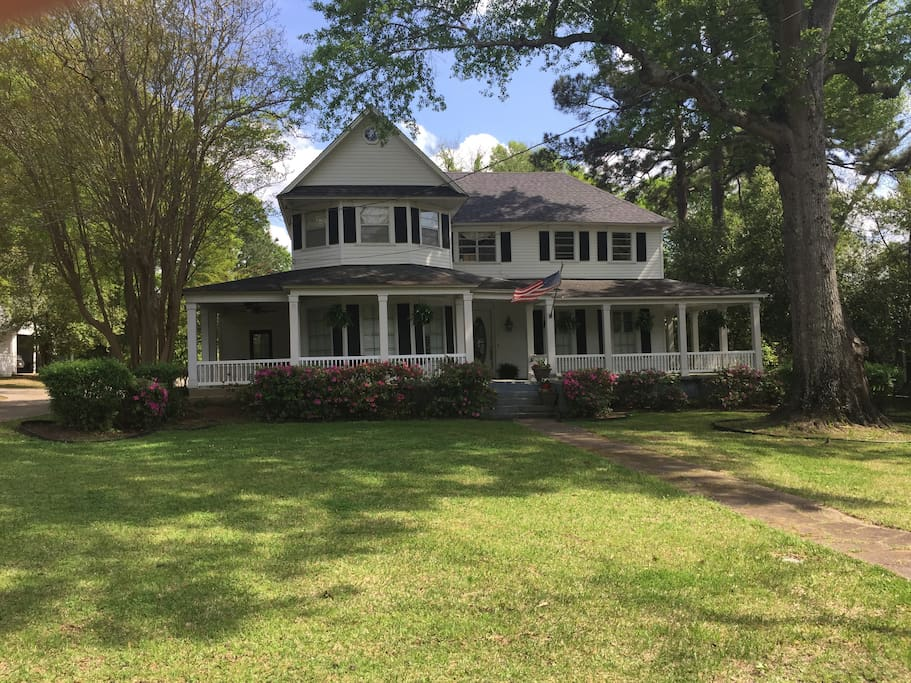 Historic Home in downtown Minden