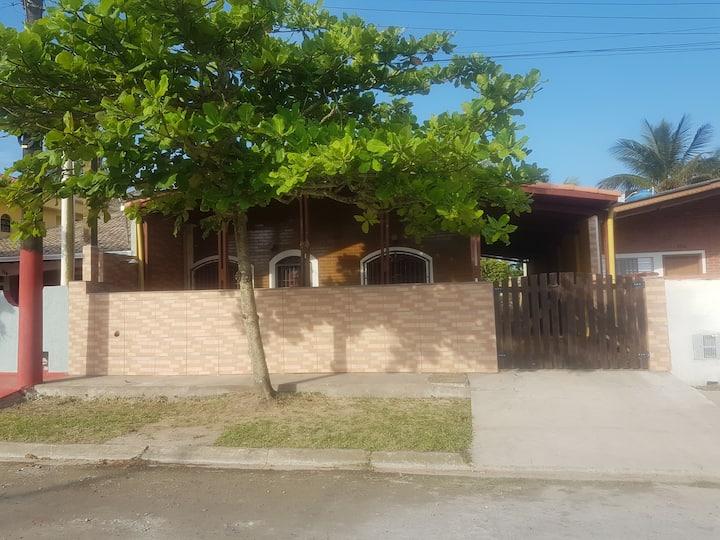 Casa inteira - 200m praia - Balneário Sao Martinho