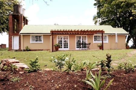 Tranquil farm cottage near Wartburg, KZN