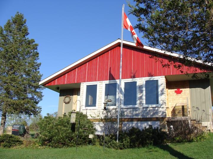 4 Season Alpaca Ranch Cottage w/ Lake Access
