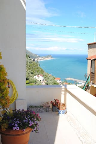 Gorgeous villa with stunning views in Finale lig.