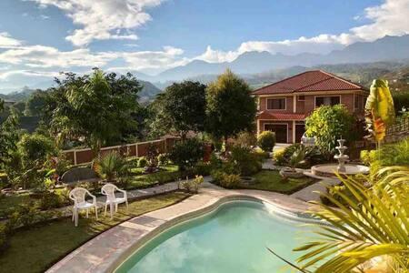Quinta de alquiler en yunguilla, Cuenca -Ecuador