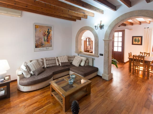 Es Convent,house in the historic center of Alcudia