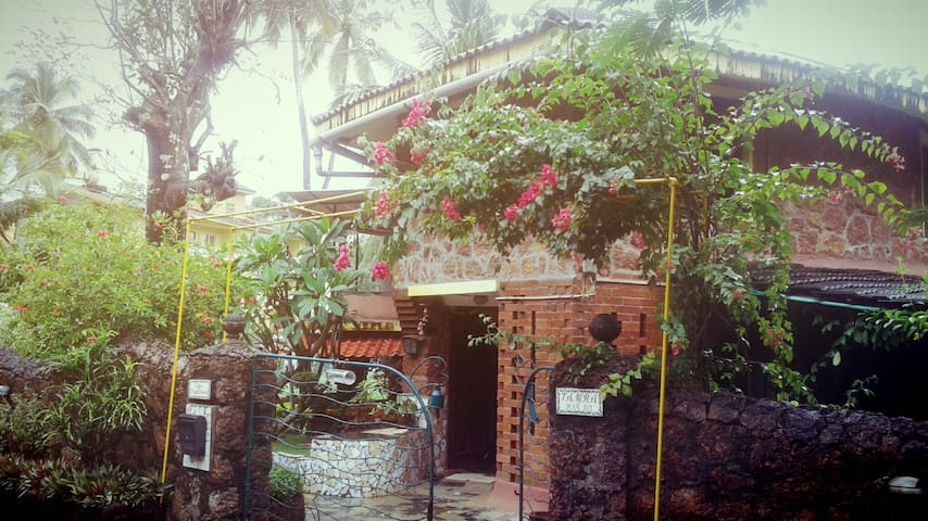 Goa Homestay - Vainguinim Beach - Bed & Breakfast