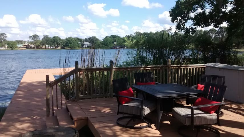 Lakefront Home with a Dock - Sanford - บ้าน