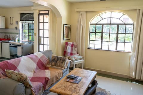 Stylish and airy flat in the heart of Karen