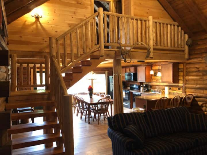 """""""Mansfield"""" Suite at the Lodge"""