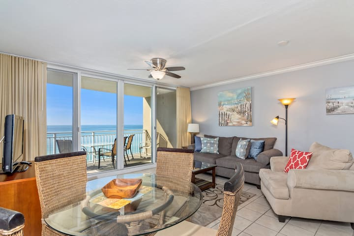 ⭐ New Luxury 1BR Beachfront Sleeps 6!