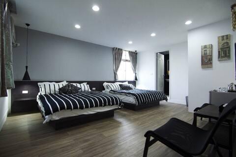 日式極簡舒適鬧中取靜的優質4人房
