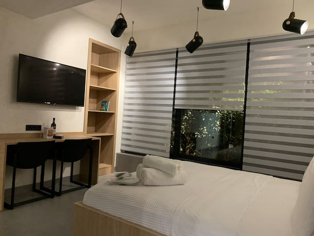 Athens Boutique Pod (Syntagma Square)