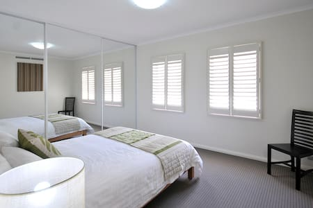 Fremantle CBD Modern Apartment - Fremantle - Apartment
