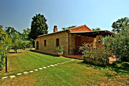 Romantic cottage in Tuscany private pool - Pomarance