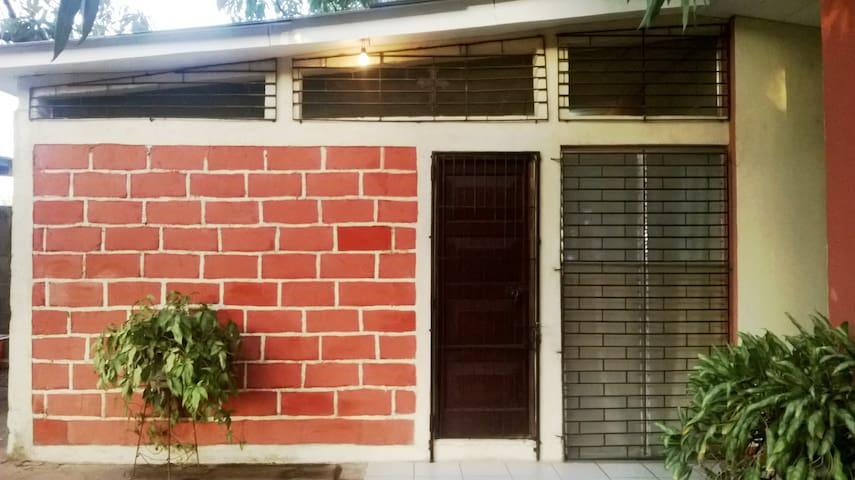 Apartamento Amueblado en Granada - Grenada - Lägenhet