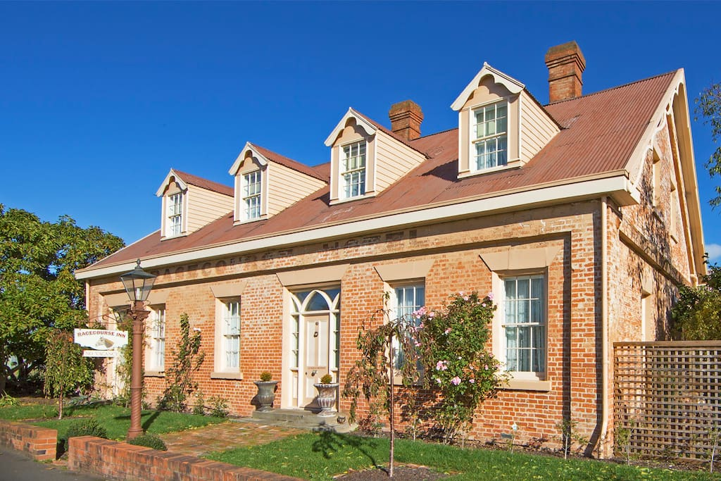 Original Georgian era coaching inn, circa 1838, in historic Longford, northern Tasmania.  10 mins from Launceston airport.