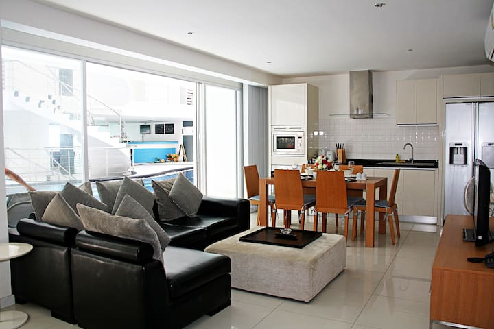 2 BEDROOMS WITH SEA VIEW (B14)