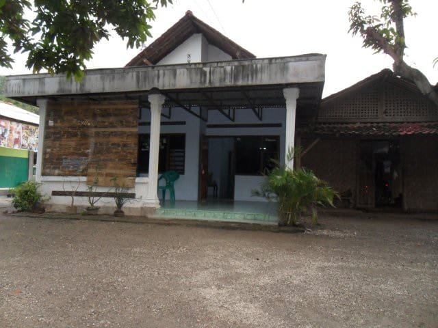Quiet and comfortable stay - Kecamatan Ponorogo - House