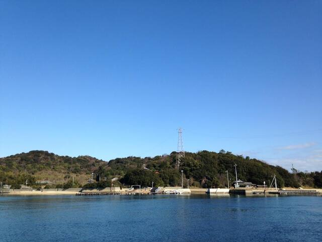 a1.Mukaejima away 100m from Naoshima