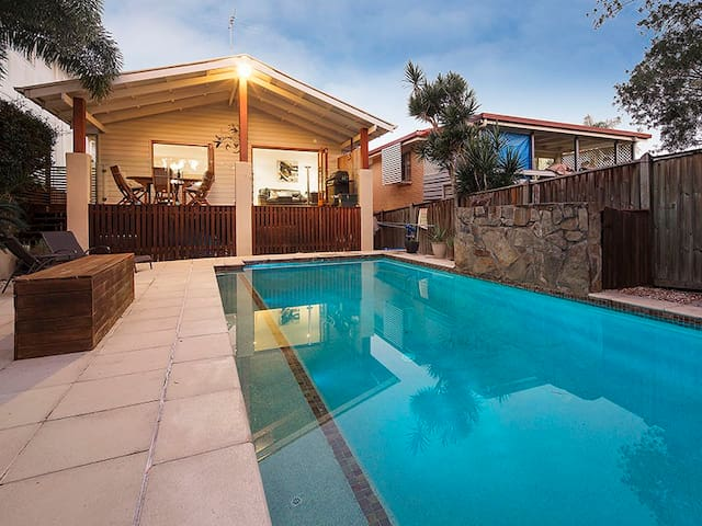 Majestic Manly Waterfront - Lota - House