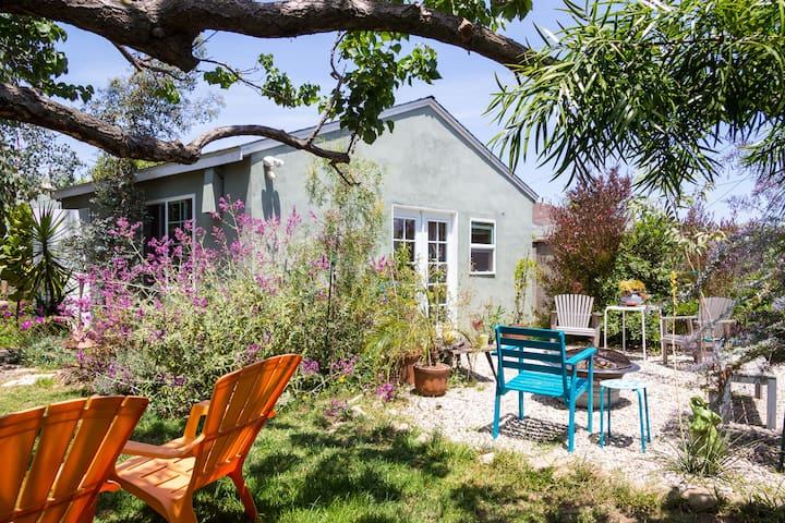 Private Studio Near LAX & Beach with Yard - Los Angeles - Gästhus