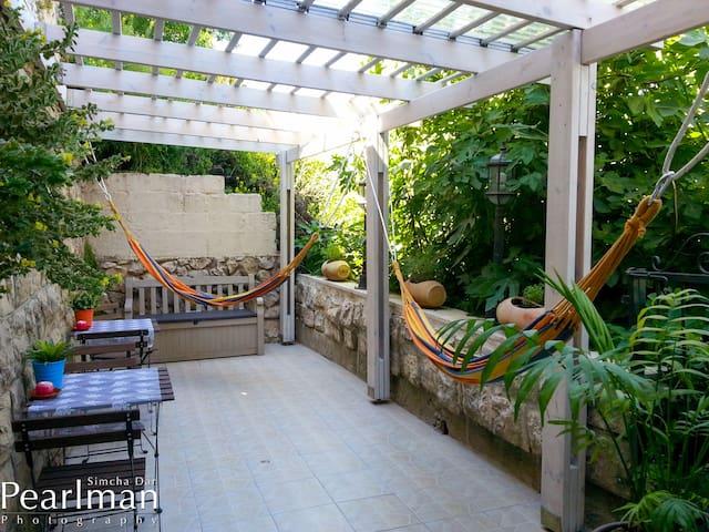 Spirit of Tzfat Yam'ma Guestroom - Safed - Apartemen