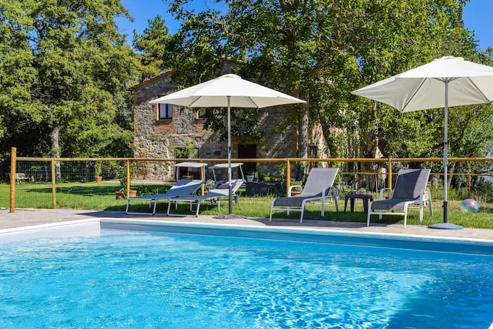 Villa with private pool, air conditioning, Wi-fi