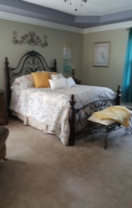Luxury Country Suite - Hardy
