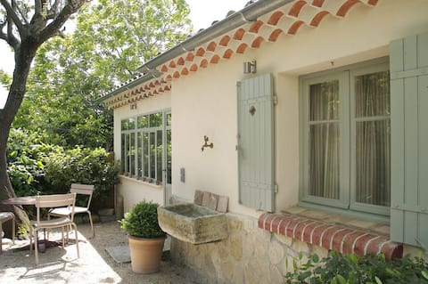 A Cottage in Provence...