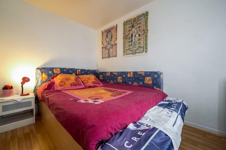 Chambre pour deux personnes simple - Vannes - Appartement