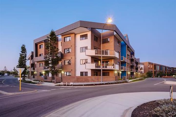 2 bedroom Breaksea Apartment - North Coogee - Apartment