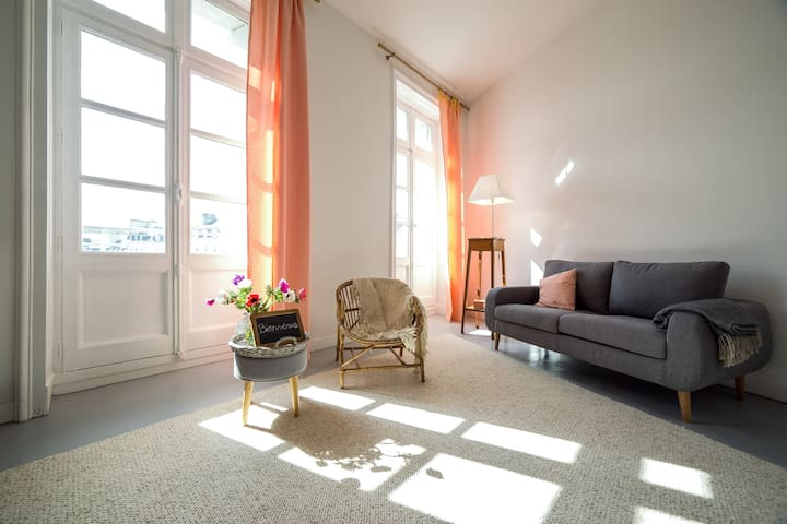 Charm, view on the harbour! - Vannes - Apartment