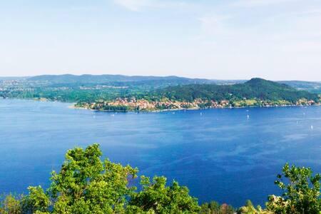 Lago Maggiore, chalet con vista incredibile.