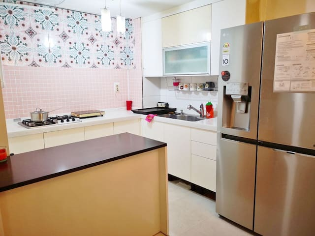 [open sale] Myeongdong area old town Seoul house