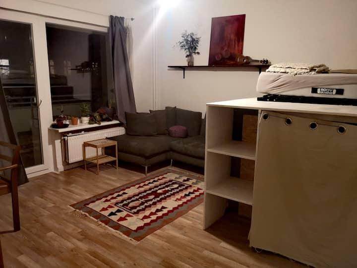 Sweet little apartment with balcony in Kreuzberg