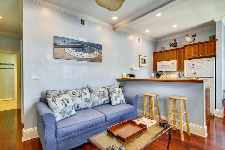 PARADISE PLACE Enjoy a romantic getaway in this Pet Friendly Condo