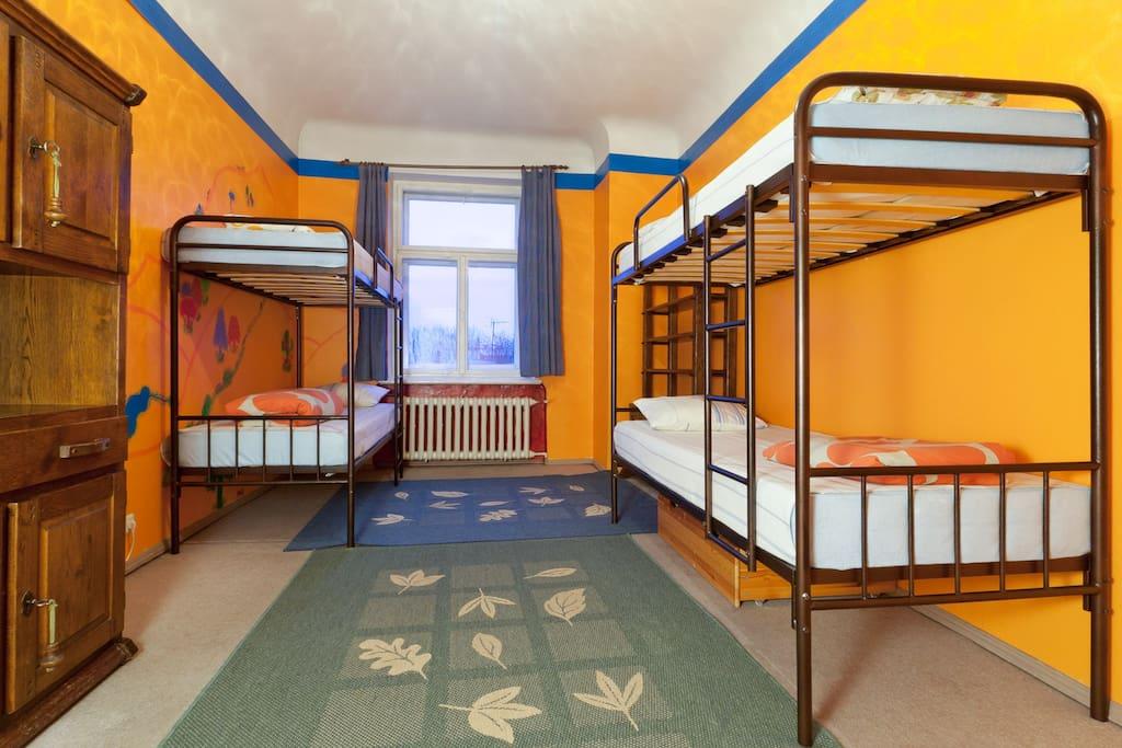 4-bed Bedroom